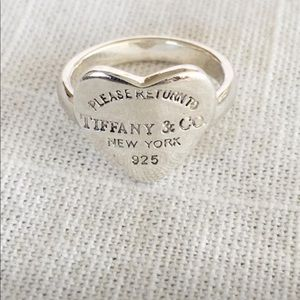 Tiffany&Co Sterling Silver Heart Ring Size 6.